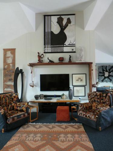Beatrix Bosch, South African artist's new home forms the perfect backdrop to her incredible artworks.